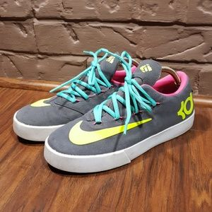 Nike, size 5.5, like new condition!